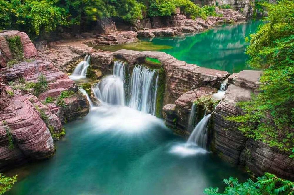 红石峡 水.jpg