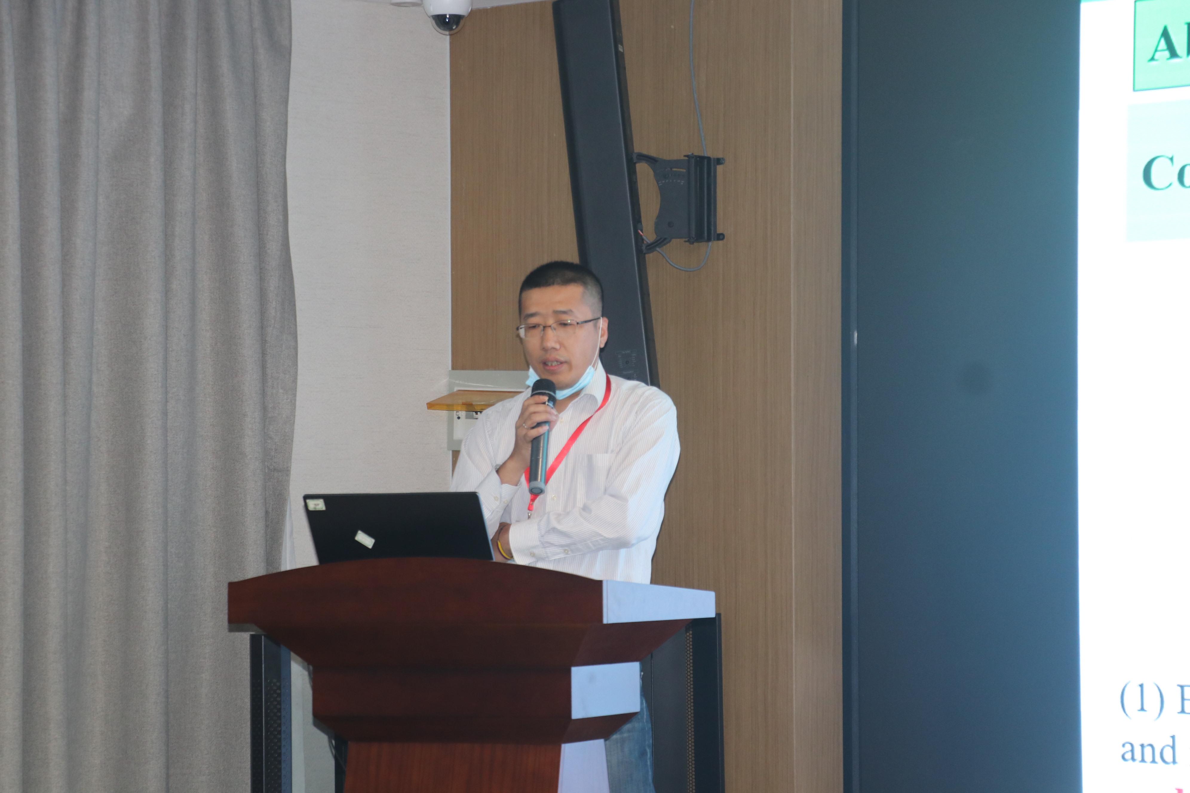 王飞教授-1.JPG
