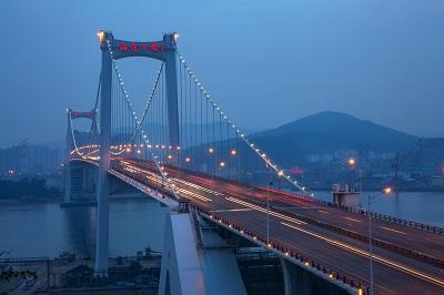 摄图网_501289097_厦门海沧大桥(企业商用)400x.jpg